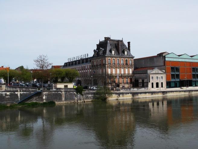 Courvoisier Chateau. Jarnac